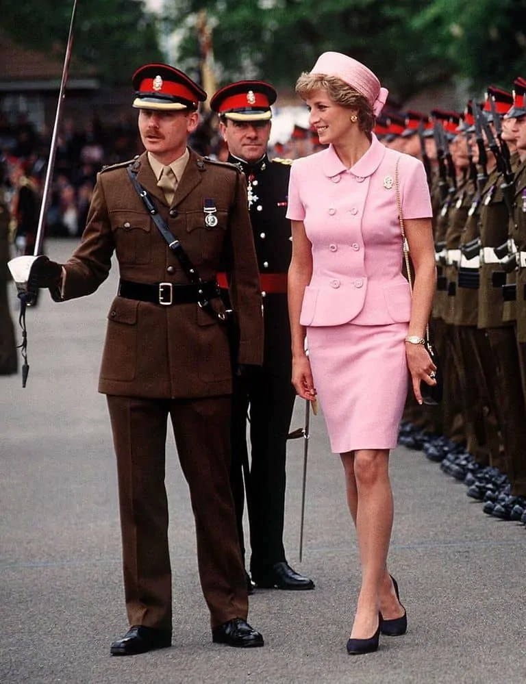 Princess Diana's Style: 150 Of The Most Iconic Princess Diana Fashion Moments 65