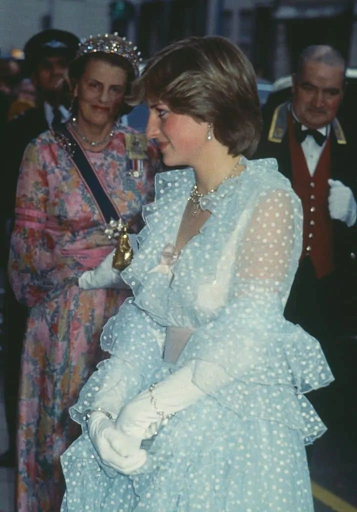 Princess Diana's Style: 150 Of The Most Iconic Princess Diana Fashion Moments 227