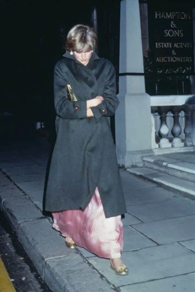 Princess Diana's Style: 150 Of The Most Iconic Princess Diana Fashion Moments 229