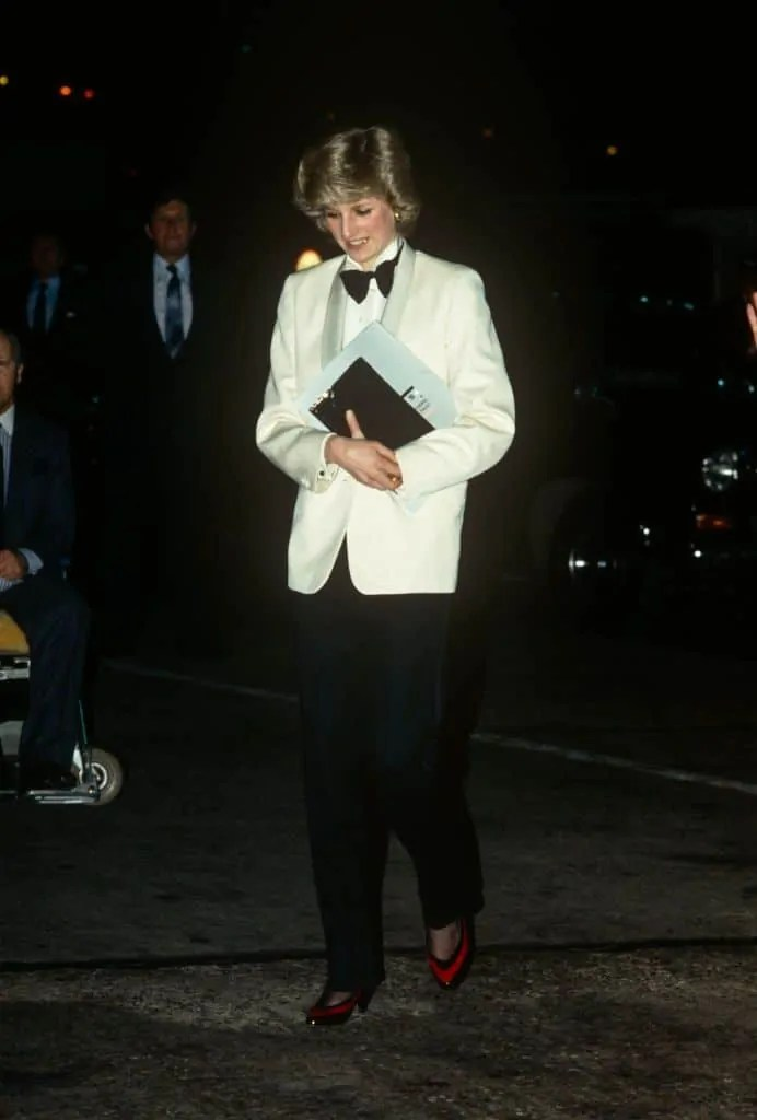 Princess Diana's Style: 150 Of The Most Iconic Princess Diana Fashion Moments 245