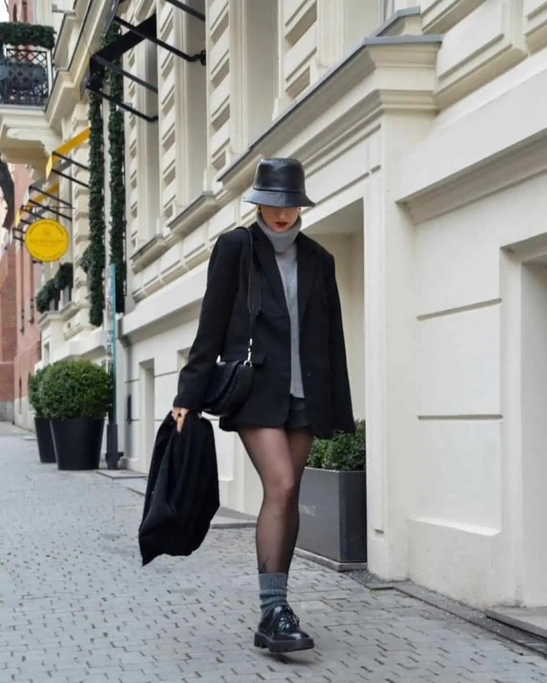 All black outfit ideas that you have to see - ultimate inspo guide 45