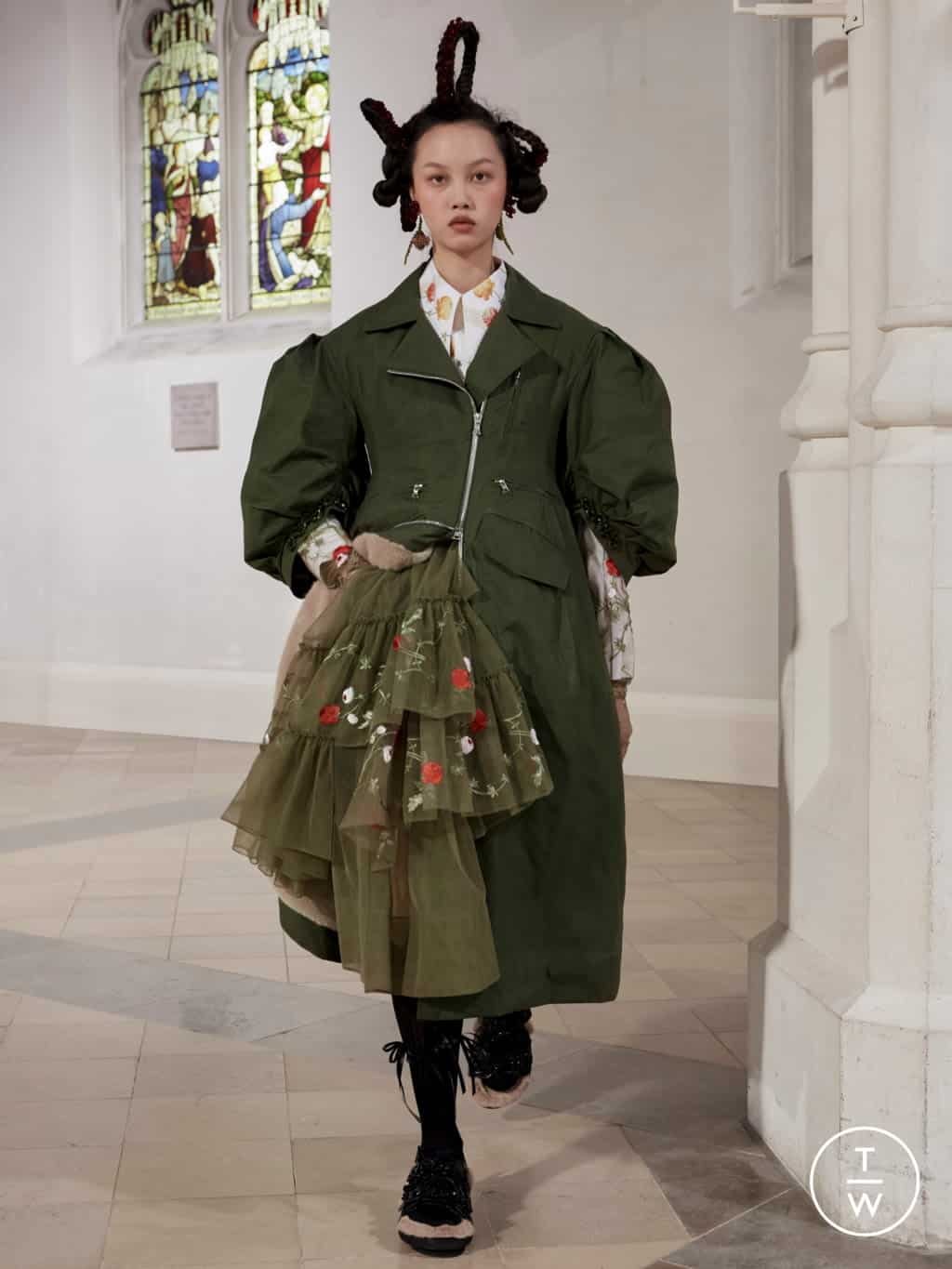 SIMONE ROCHA FALL/WINTER 2021 — Look 22