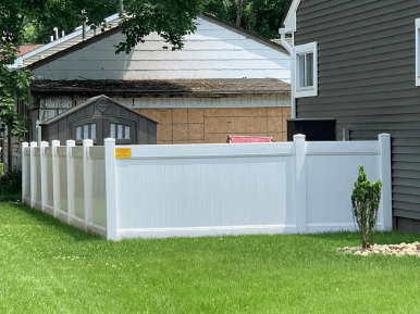 Suburban Privacy Vinyl 4-foot fence With Deco Rail