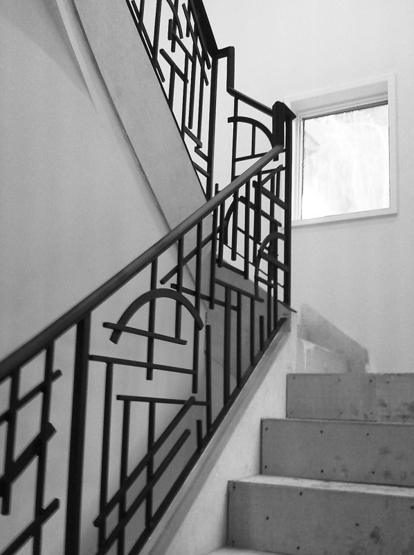 Wrought Iron Stair Railing Southern Staircase Artistic Stairs | Black Iron Stair Railing | Wrought Iron | Staircase | Beautiful Staircase | Outdoor Handrail Stair | Residential Stair