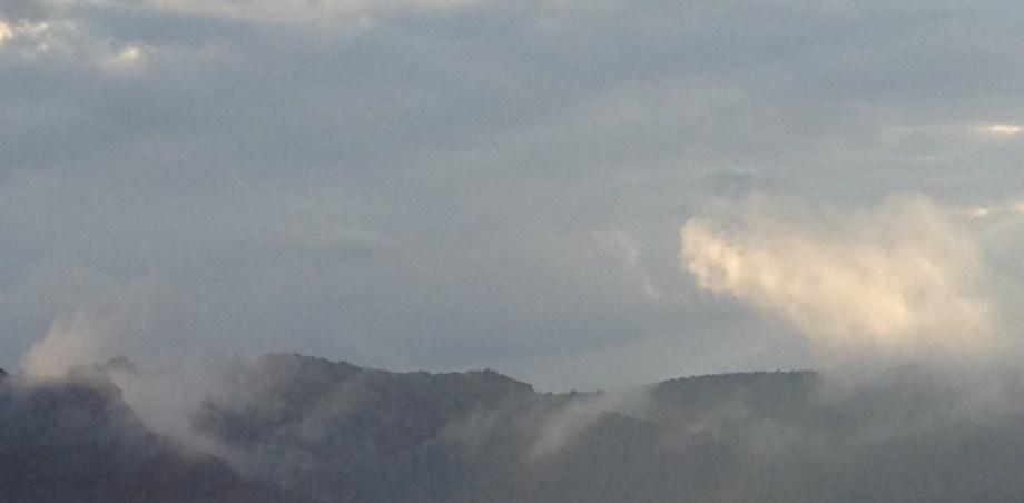 Title cloudy mountain2 Medium photography Size 2588 x 1272