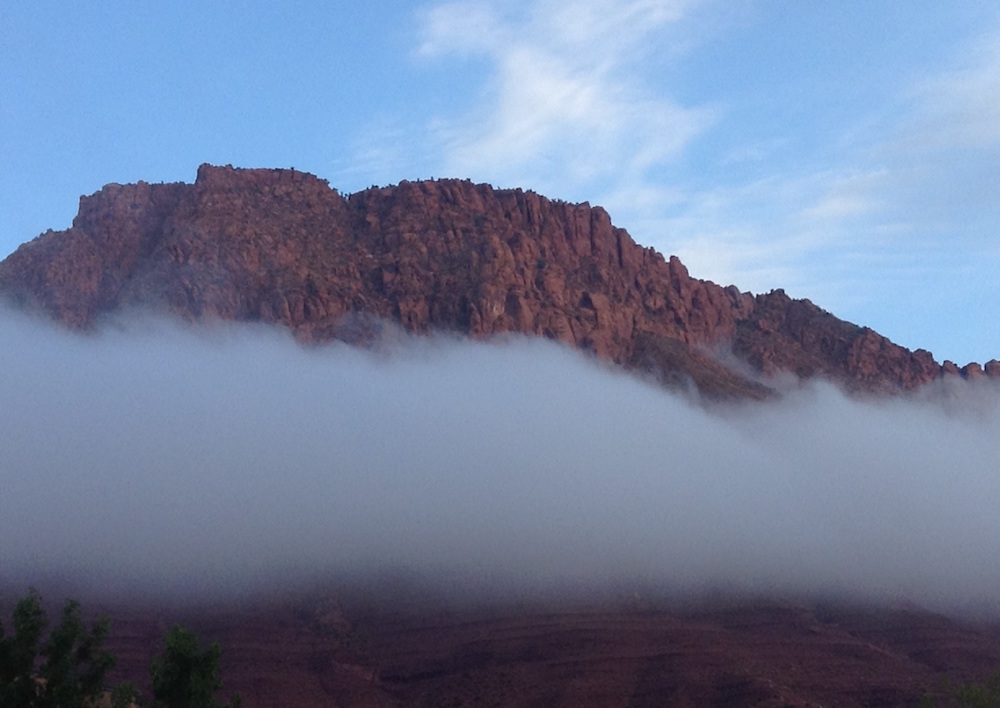Title cloudy mountain3 Medium photography Size 2590 x 1834