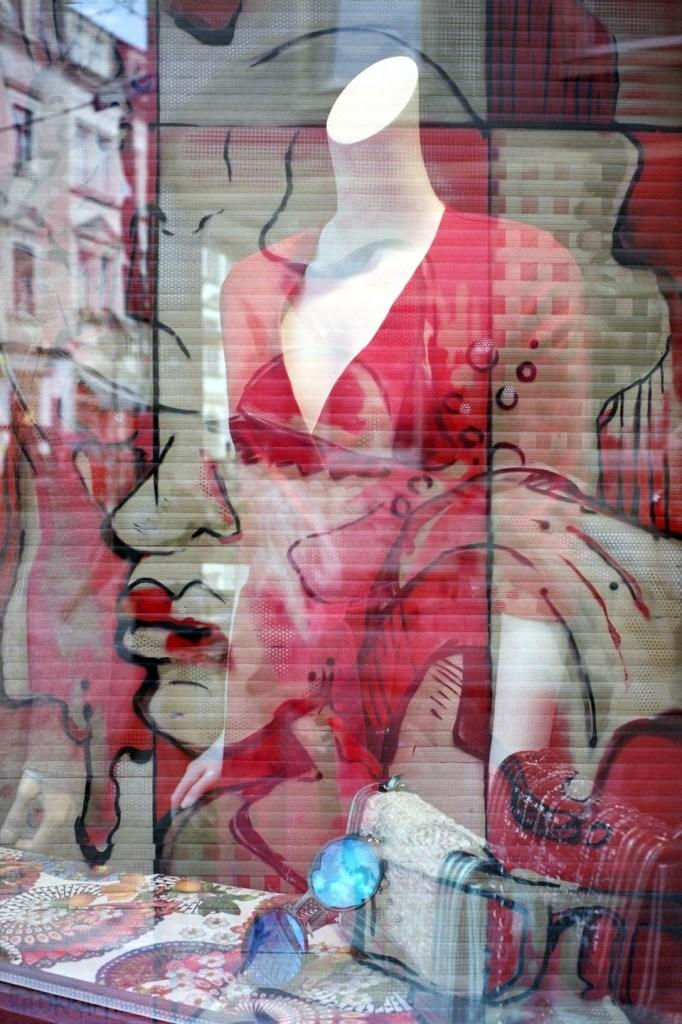 Title:Vogue Medium:Photography Size:30x45 cm.