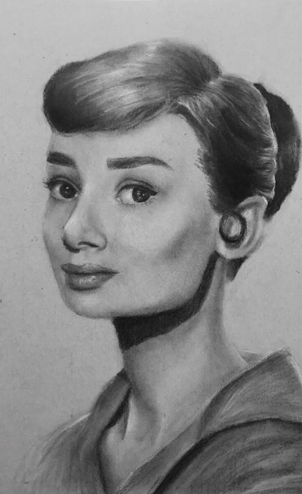 Audrey Medium Charcoal Size 8.5 x 11