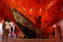 The Key in the Hand by Chiharu Shiota 05