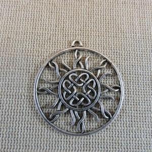 Pendentif nœud celtique soleil argenté 34mm rond