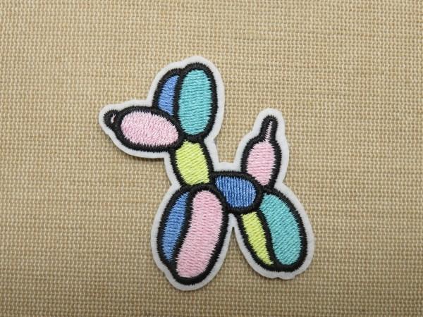 Patch chien ballon baudruche écusson thermocollant multicolore