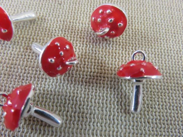 Breloques Champignon Amanite métal argenté et rouge - lot de 5