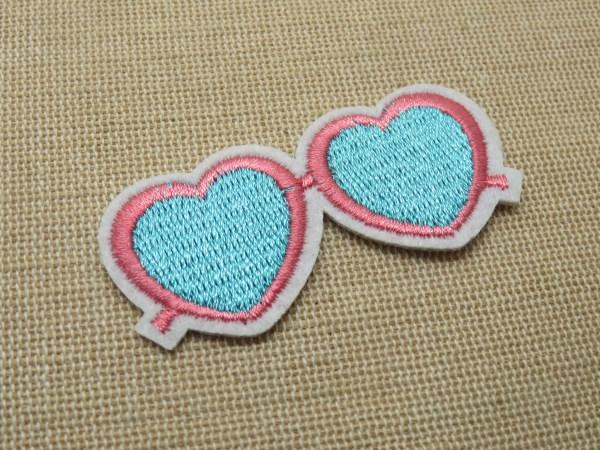 Patch lunette cœur écusson thermocollant textile à repasser