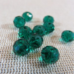 Perles de verre facetté vert malachite 8mm - lot de 10
