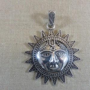 Grand pendentif Soleil métal couleur argenté avec bélière 73mm