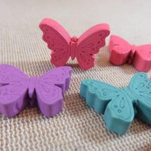 Perles papillon en bois multicolore 25x19mm – lot de 10