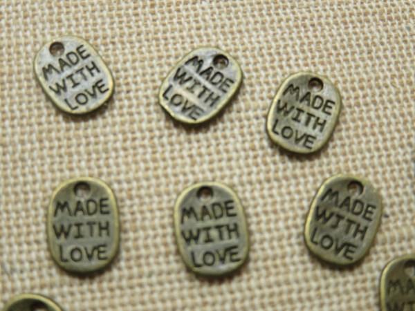 Breloques étiquette métal bronze gravé made with Love - lot de 10