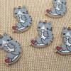 Breloques chat gris cœur rouge métal émaillé 21mm - lot de 5