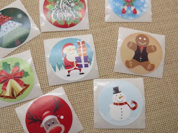 Étiquettes autocollante Noël cadeaux - lot de 25 stickers rond 25mm