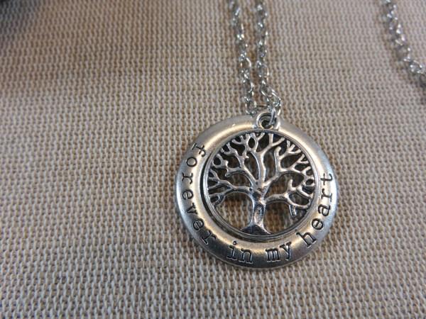 Collier Arbre de Vie gravé bijoux de famille - cadeaux pour maman