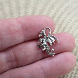 Pendentif Dragon argenté 3D en métal