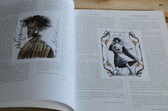 Sandman Exhibition Catalog. Grains of Sand: 25 Years of The Sandman. - ekslibrisy z podpisami Neila Gaimana i Dave'a McKeana.