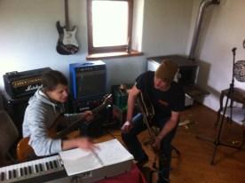 Julian und Thomas beim Lernen