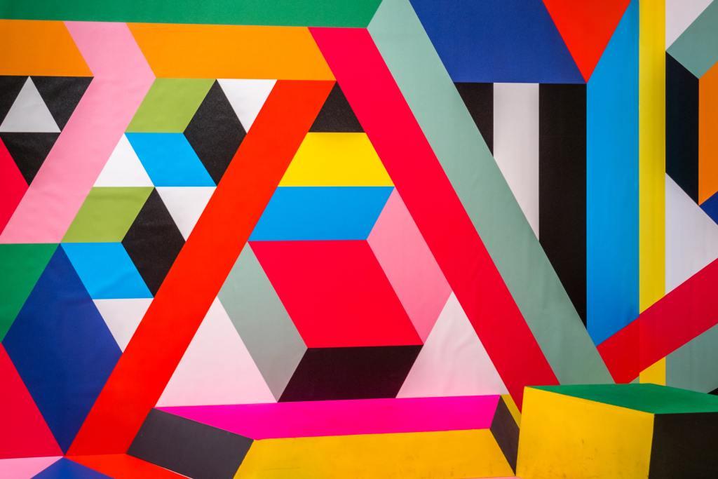 Oil on canvas geometry Art picture https://unsplash.com/s/photos/museum