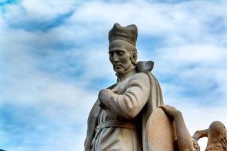 Socha Františka Borgiáše se vrací na Karlův most