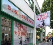 Banksy a přehlídka jeho prací v Praze