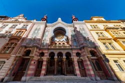 Jeruzalémská synagoga vPraze – secesní klenot vmaurském stylu připravuje sérii varhanních koncertů