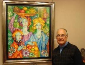 Gabriel Portolés junto a una de sus obras