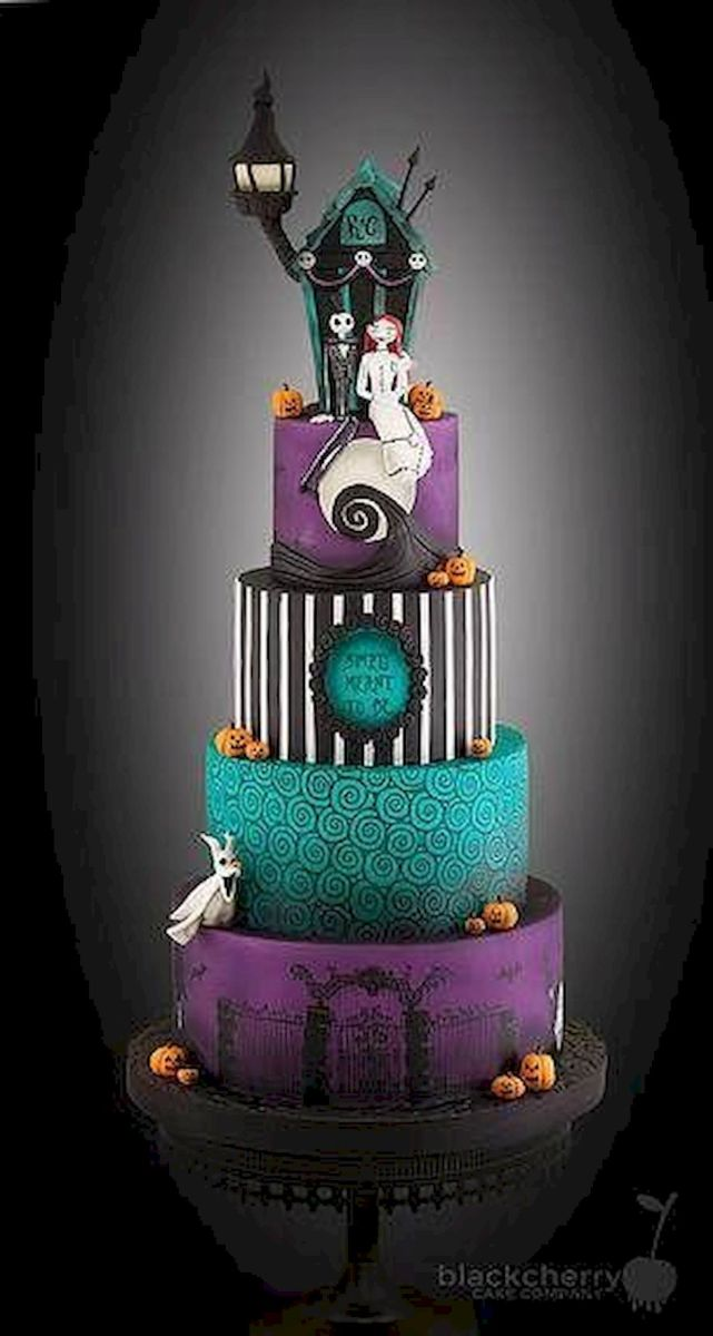 36 Awesome Halloween Wedding Cake Ideas (11)