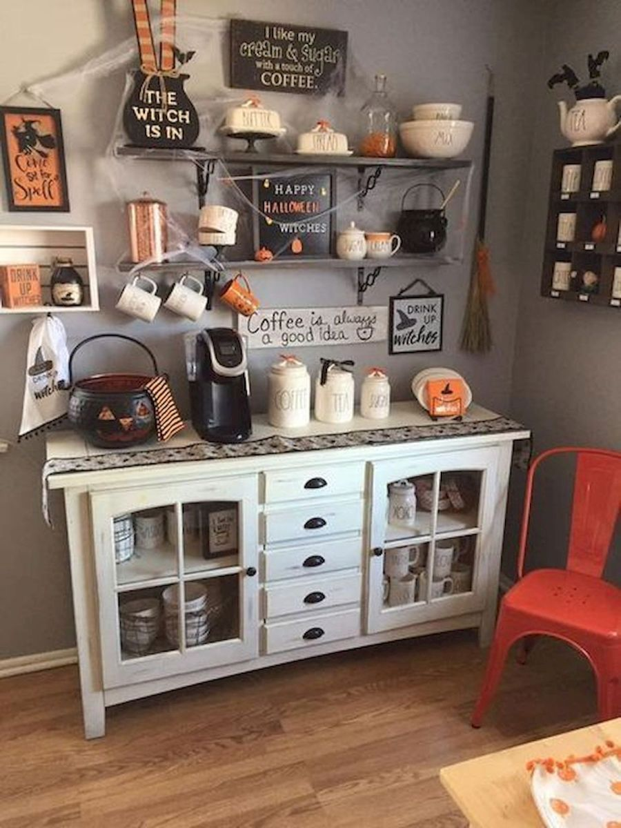 46 Gorgeous Halloween Kitchen Cabinets Decor Ideas (41)