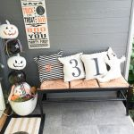 73 Gorgeous Halloween Living Room Decor Ideas (5)