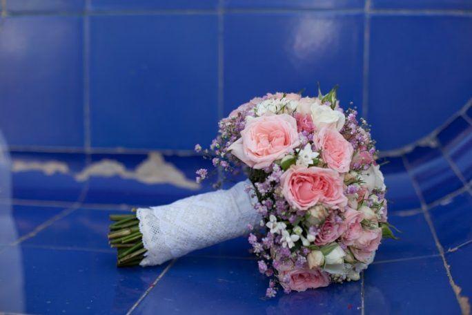 boquet compacto de rosas color rosa
