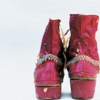 Ботинки, отделанные бахромой