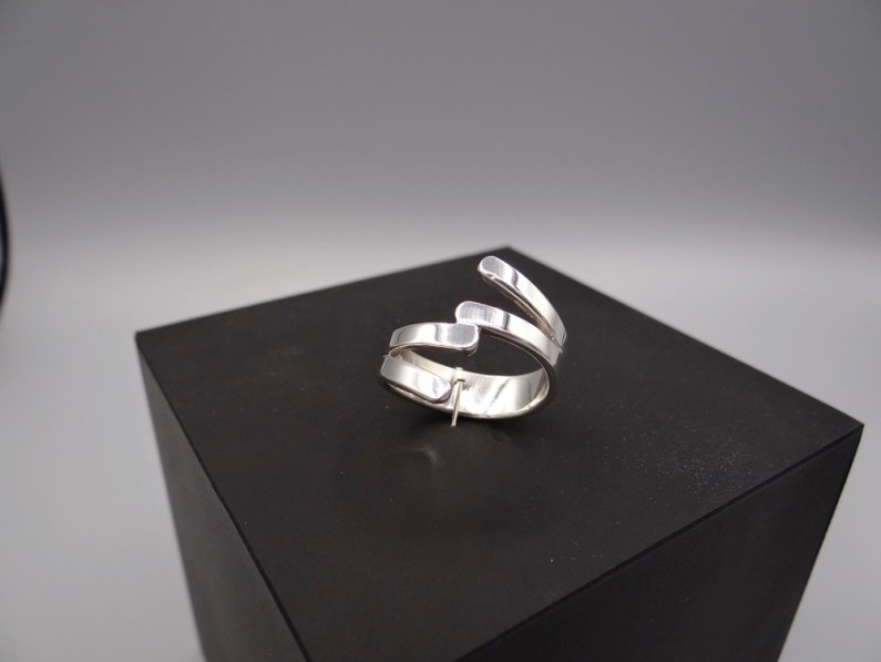 Arto Edelsmeden- Brede zilveren zaag ring