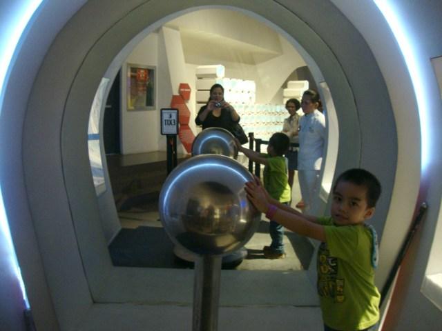 mind museum art of being a mom www.artofbeingamom.com 05