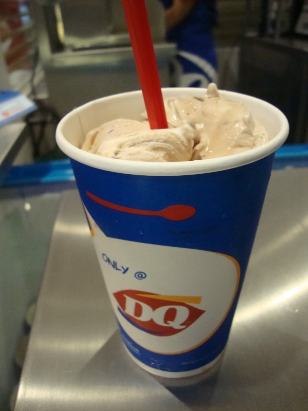 dairy queen blizzard new flavor reeses pieces chocolate strawberry vanilla art of being a mom www.artofbeingamom.com 03