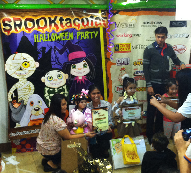 active fun halloween fairview terraces trick or treat lifestyle mommy blogger www.artofbeingamom.com 05