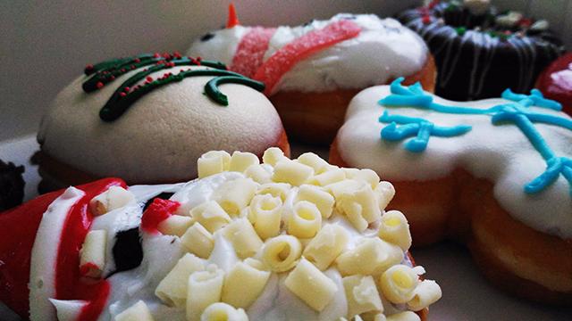 krispy kreme christmas doughnuts lifestyle mommy blogger www.artofbeingamom.com 04