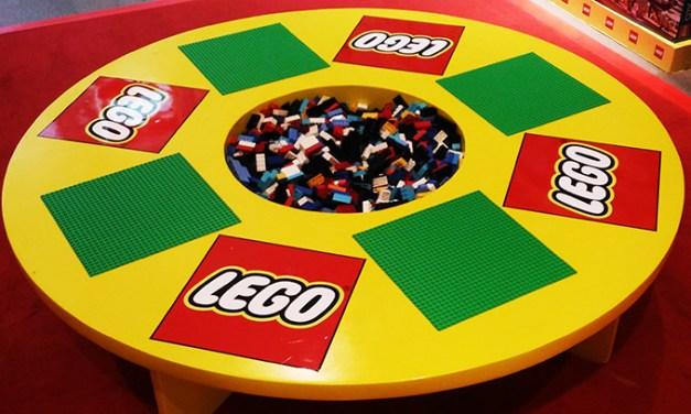 Hobbes and Landes BGC Launches Lego Corner!