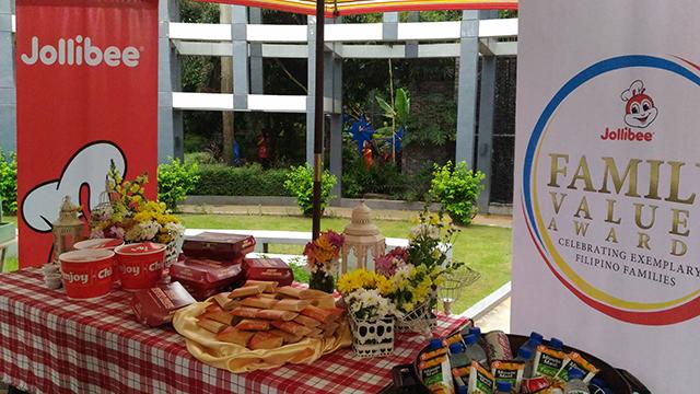 6th-jollibee-family-values-awards-jfva-winners-2016-rave-park-pasig-lifestyle-mommy-blogger-philippines-www-artofbeingamom-com-11