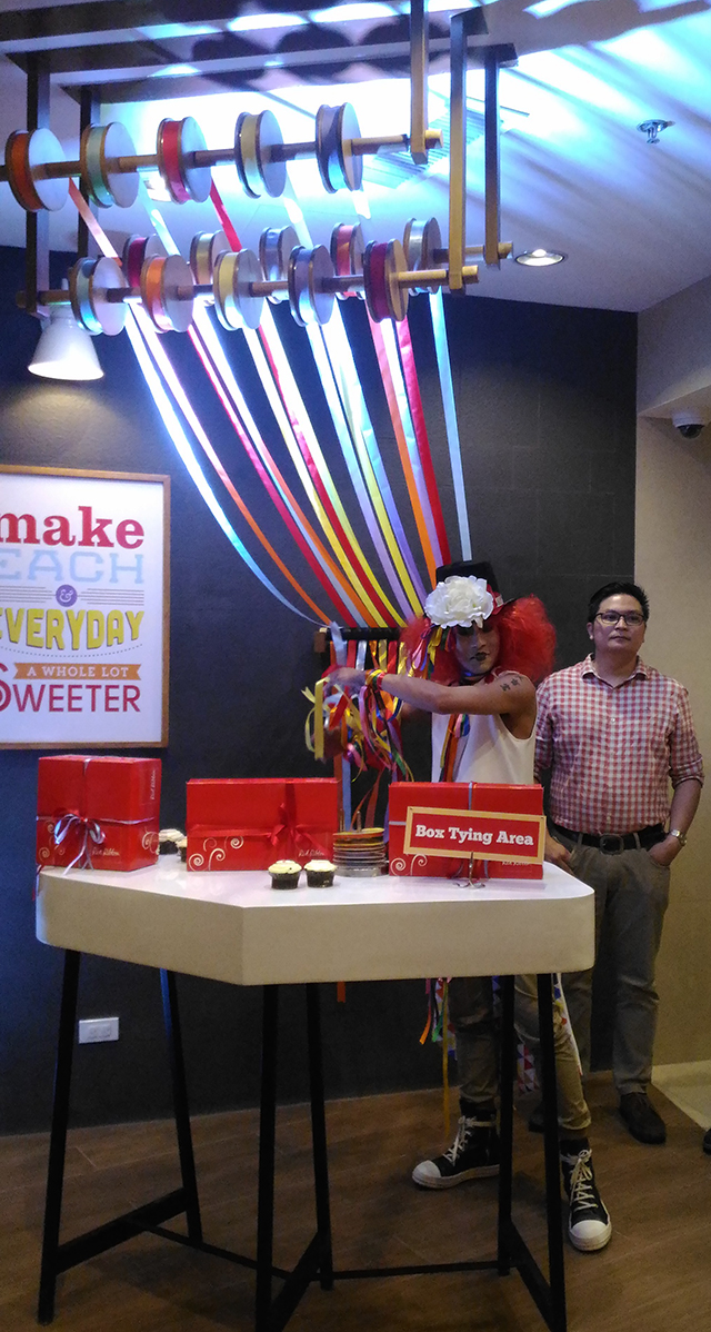 red-ribbon-flagship-store-sm-megamall-red-ribbon-bakery-red-ribbon-cake-lifestyle-mommy-blogger-philippines-www-artofbeingamom-com-07