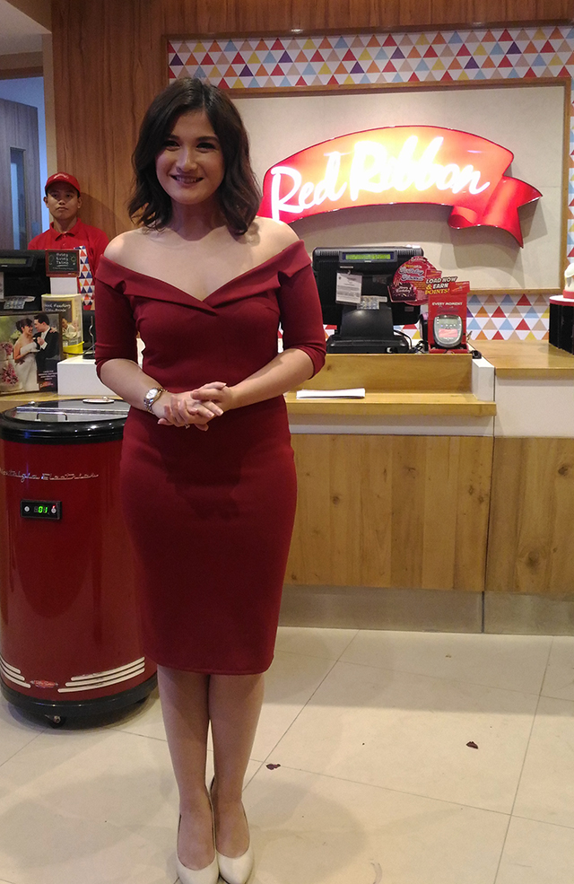 red-ribbon-flagship-store-sm-megamall-red-ribbon-bakery-red-ribbon-cake-lifestyle-mommy-blogger-philippines-www-artofbeingamom-com-11