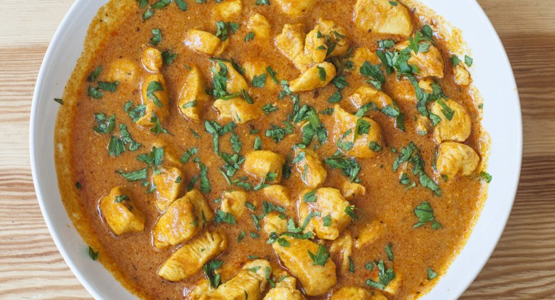 Homemade chicken curry: indian food.