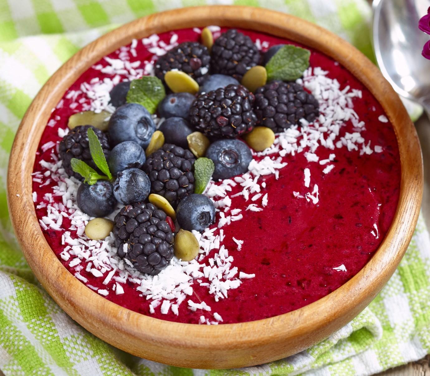 acai-very-berry-smoothie-bowl
