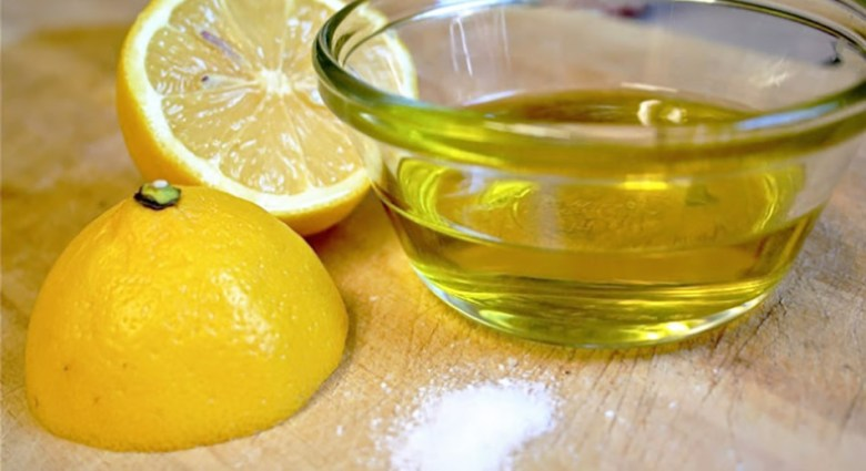 Salt-Lemon-and-Olive-Oil