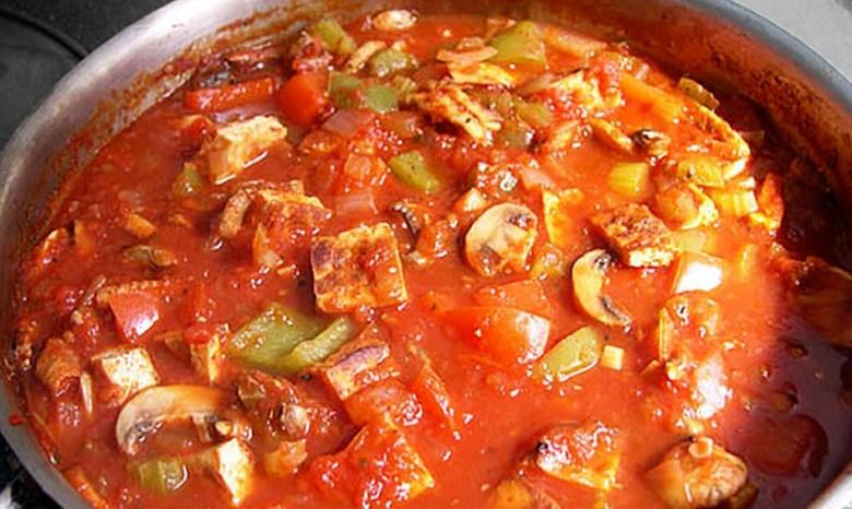 tofu cacciatore cooking